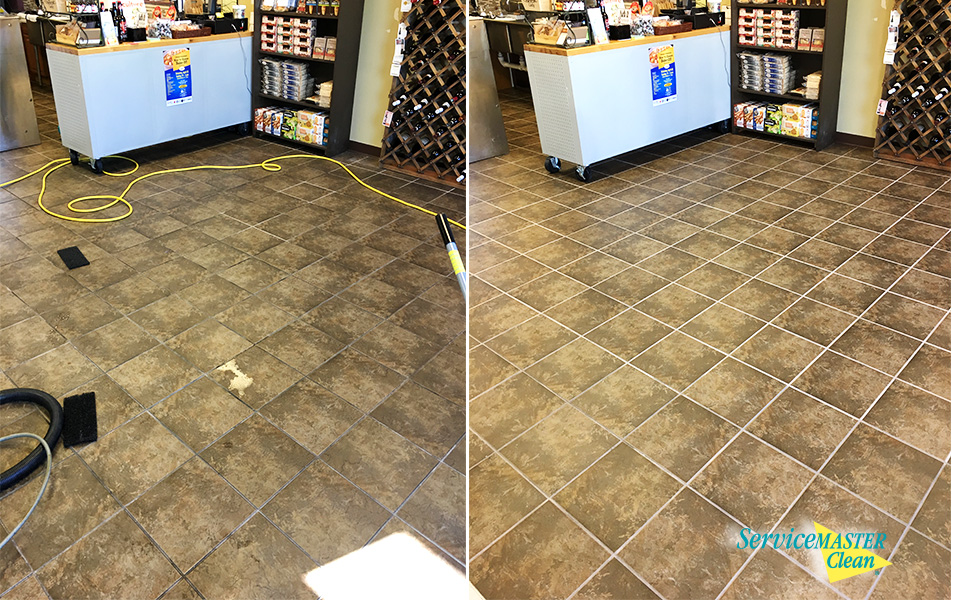 before and after shot of tile and grout cleaning in kalamazoo, MI